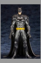 dc-direct-kotobukiya-batman-artfx-action-figure-statue-jla-justice-league-jim-lee-art-design-1