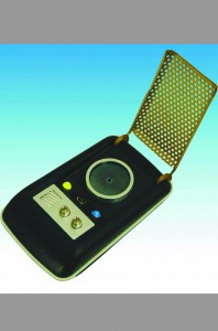 diamond-select-star-trek-tos-the-original-series-communicator-1