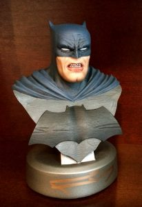 frank-miller-signed-batman-the-dark-knight-returns-30th-anniversary-dc-direct-collectibles-bust-1