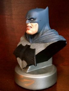 frank-miller-signed-batman-the-dark-knight-returns-30th-anniversary-dc-direct-collectibles-bust-2