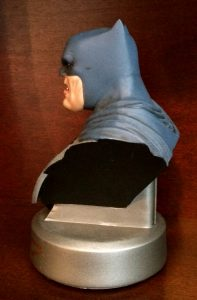 frank-miller-signed-batman-the-dark-knight-returns-30th-anniversary-dc-direct-collectibles-bust-3