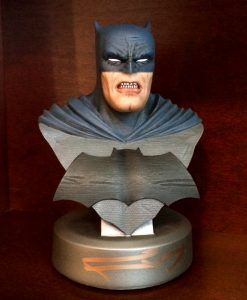 frank-miller-signed-batman-the-dark-knight-returns-30th-anniversary-dc-direct-collectibles-bust-7